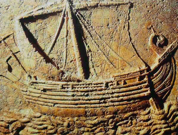 barco fenico piedra