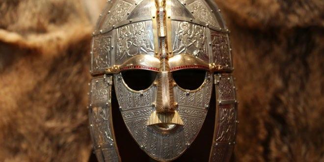 Casco Sutton Hoo Anglosajón