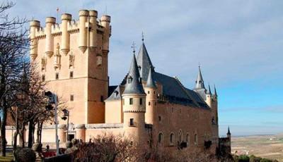 castillo alcazar segovia