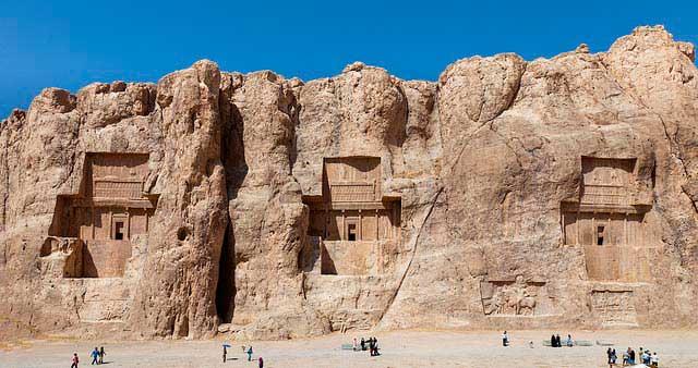 tumba dario Naqsh e Rustam